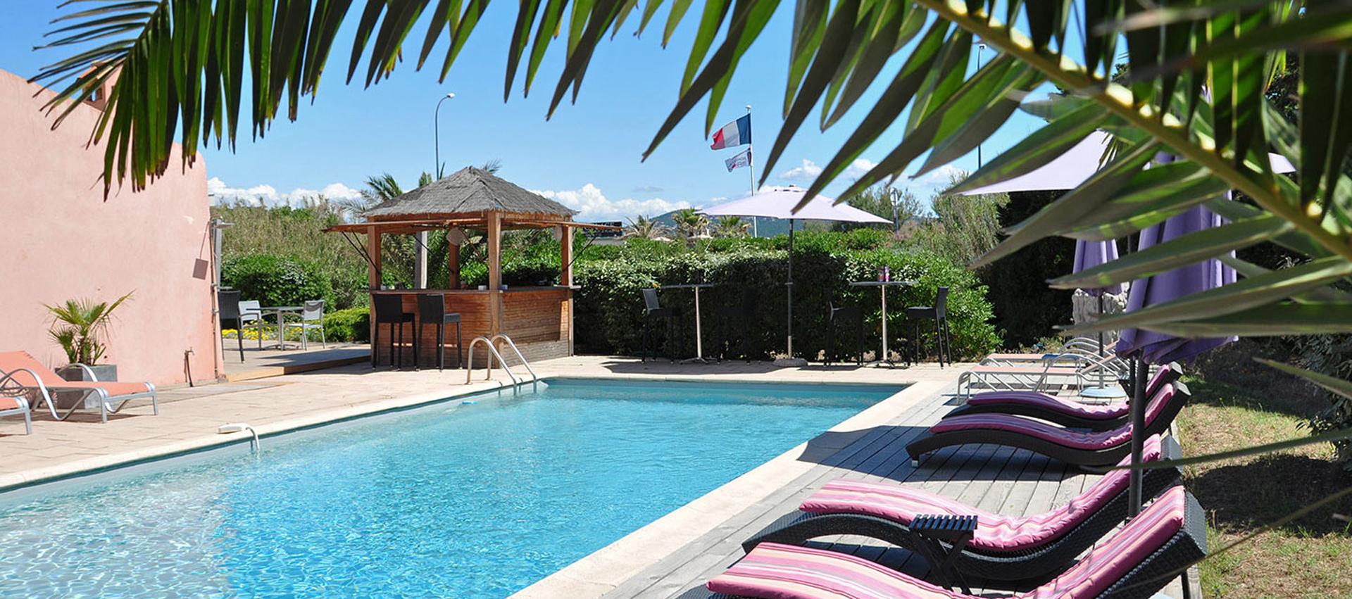 H tel la vierge noire for Hotel avec piscine foret noire